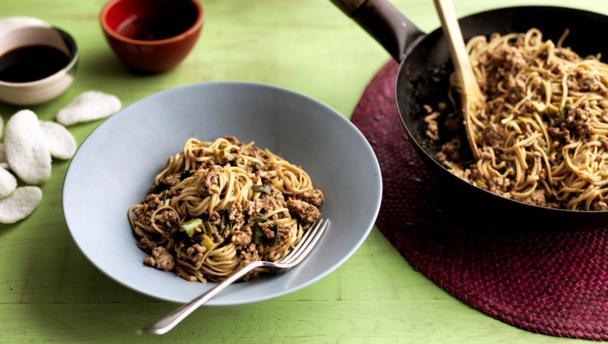 Bbc food recipes pork noodles with bean sauce pork noodles with bean sauce forumfinder Images